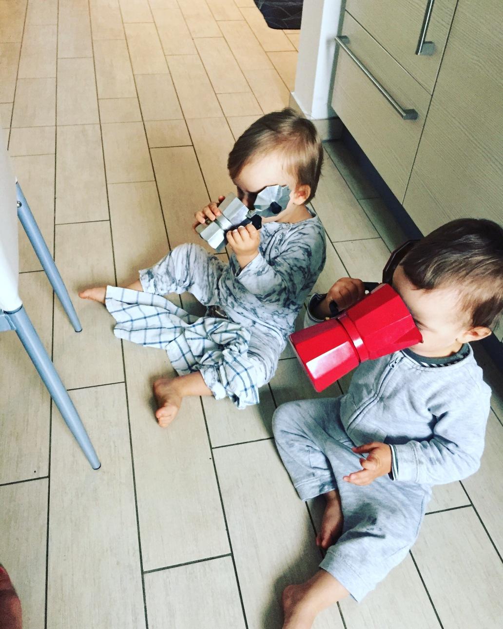 Müdigkeit durchschlafen Zwillinge wann endlich