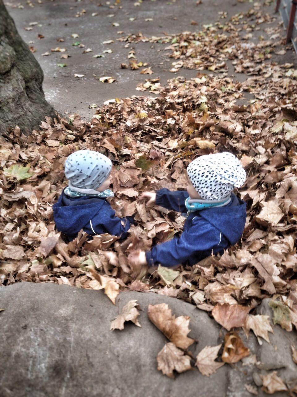 Zwillinge draußen