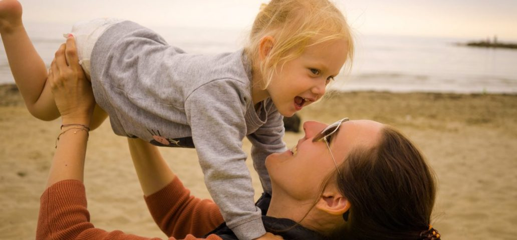 bedürfnisorientiert langzeitstillen kleinkind stillen Stillbeziehung Kritik Attachment parenting piepmadame